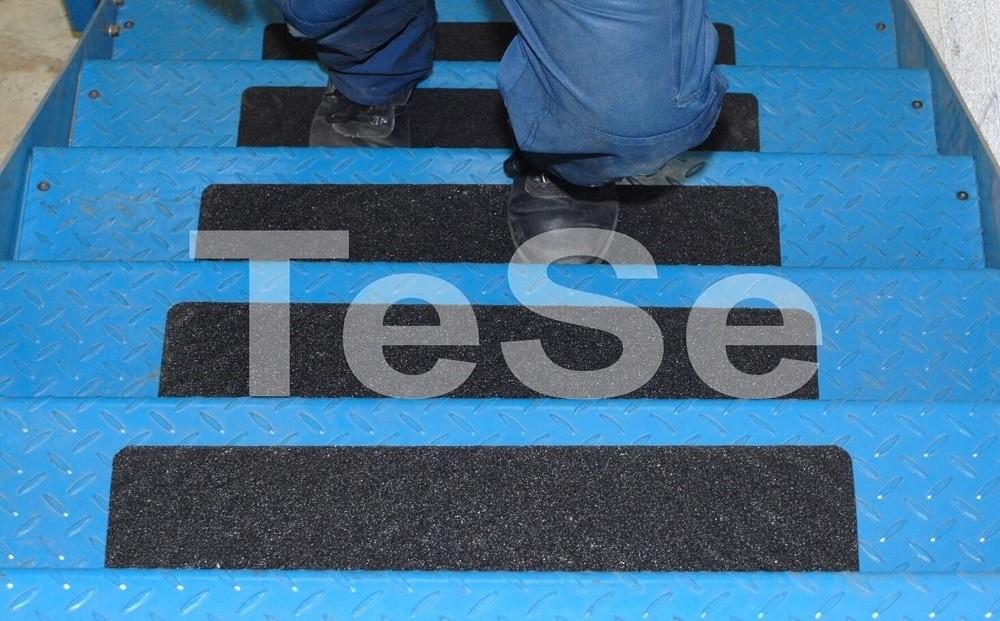 Protišmyková páska ktorá sa prispôsobí povrchu I TeSe