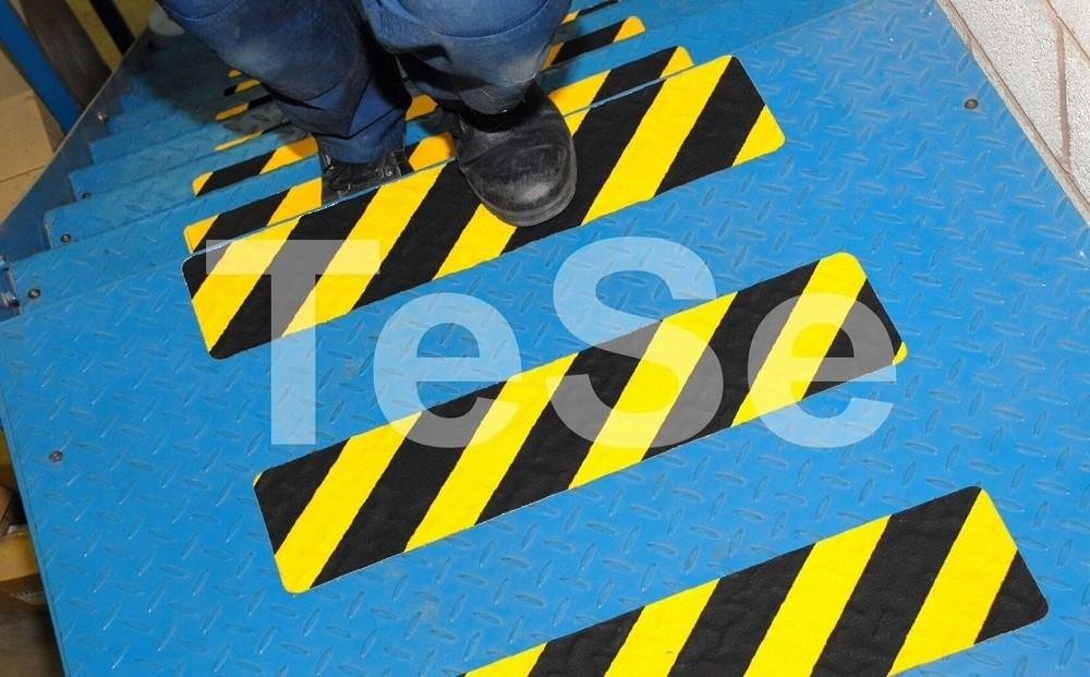 Tvarovateľná protišmyková páska žlto čierna I TeSe