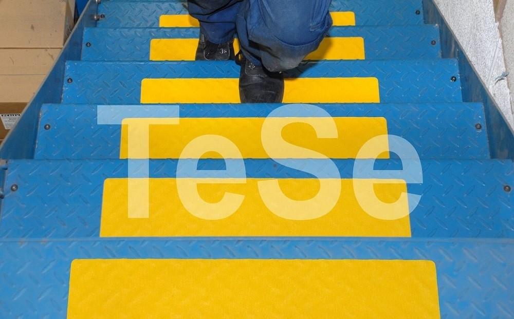 Perfektná žltá protišmyková páska tvarovateľná I TeSe