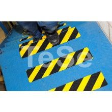 Protišmyková páska tvarovateľná výstražná žlto / čierna (...
